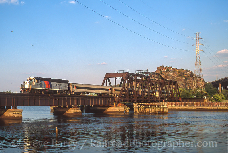 Photo 3587<br /> New Jersey Transit; Secaucus, New Jersey<br /> August 2001