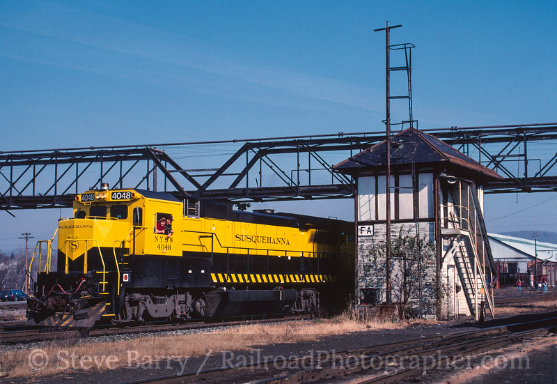 Photo 2707 New York, Susquehanna & Western (on D&H); Oneonta, New York November 1989