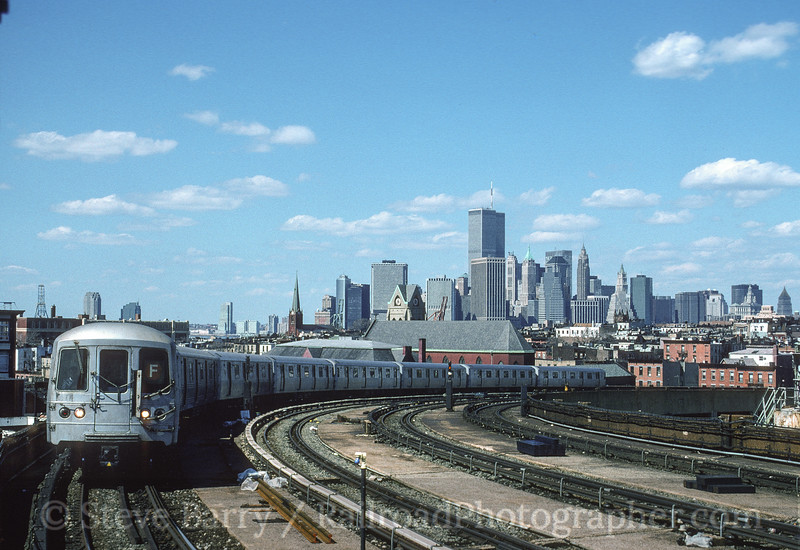Photo 4131<br /> New York City Transit Authority; Smith-9th, Brooklyn, New York<br /> April 1995