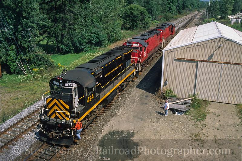 Photo 4182<br /> Western New York & Pennsylvania; Falconer, New York<br /> September 2003