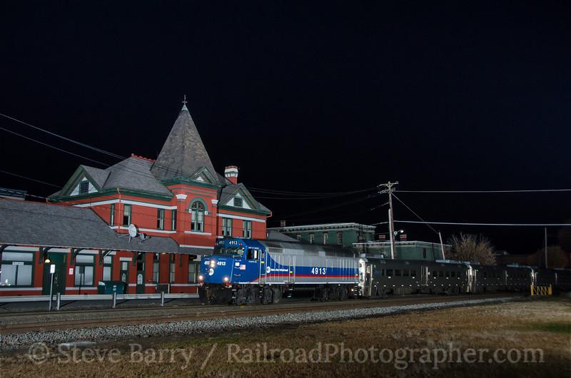 Photo 3532<br /> Metro North; Port Jervis, New York<br /> November 4, 2015