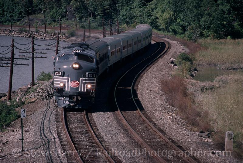 Photo 0414<br /> Metro-North; Roa Hook, Peekskill, New York<br /> October 2, 1999