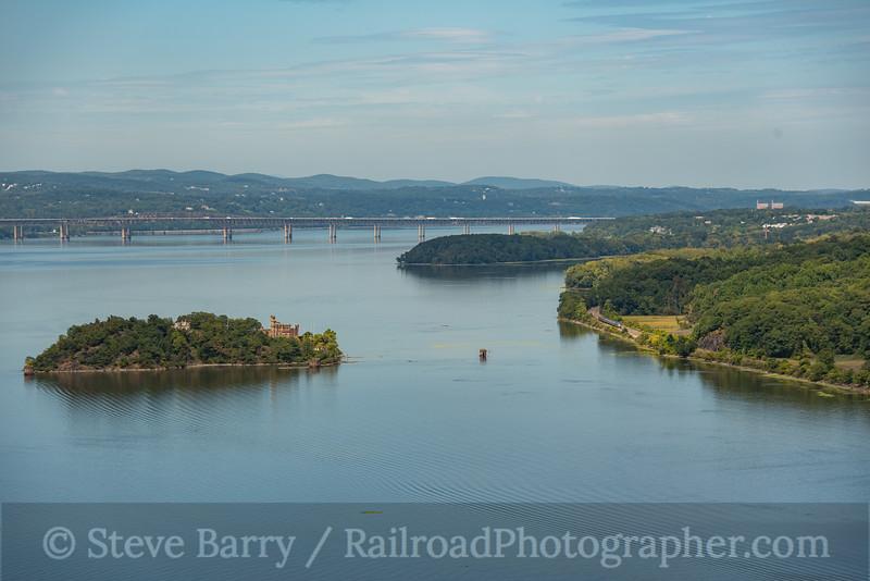 Photo 4308<br /> Amtrak<br /> Beacon, New York<br /> September 13, 2017