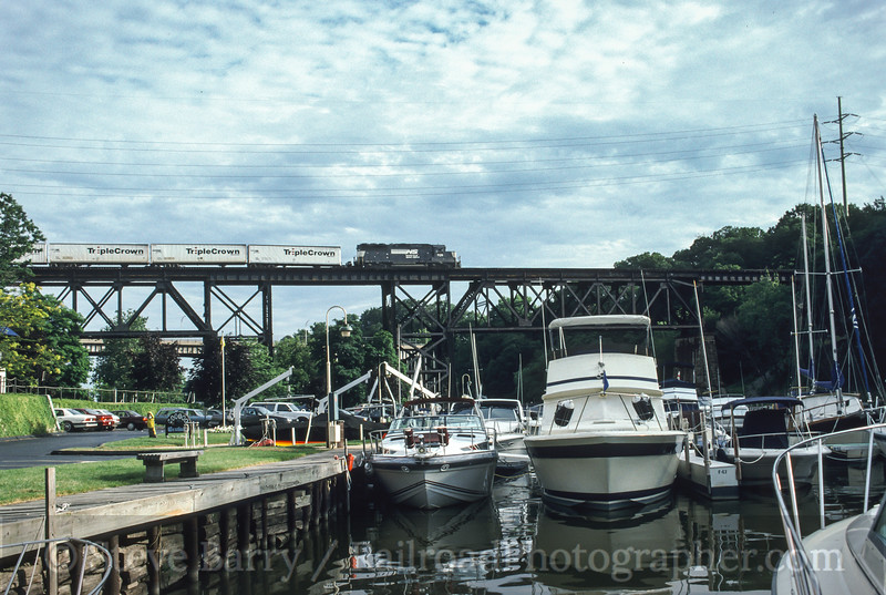 Photo 1765<br /> Norfolk Southern; Rocky River, Ohio<br /> July 18, 1993