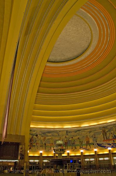 Photo 1644<br /> Cincinnati Union Terminal; Cincinnati, Ohio<br /> August 8, 2009