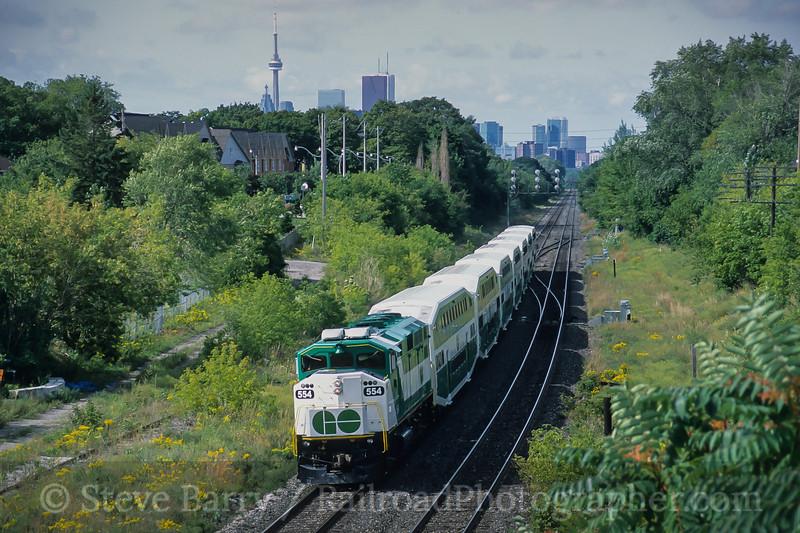 Photo 4209<br /> GO Transit; Danforth Village, Toronto, Ontario<br /> September 2005
