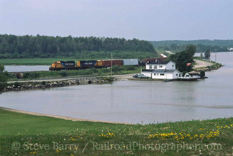 Photo 0431<br /> ON Rail; Barber Bay, Ontario<br /> July 19, 2004