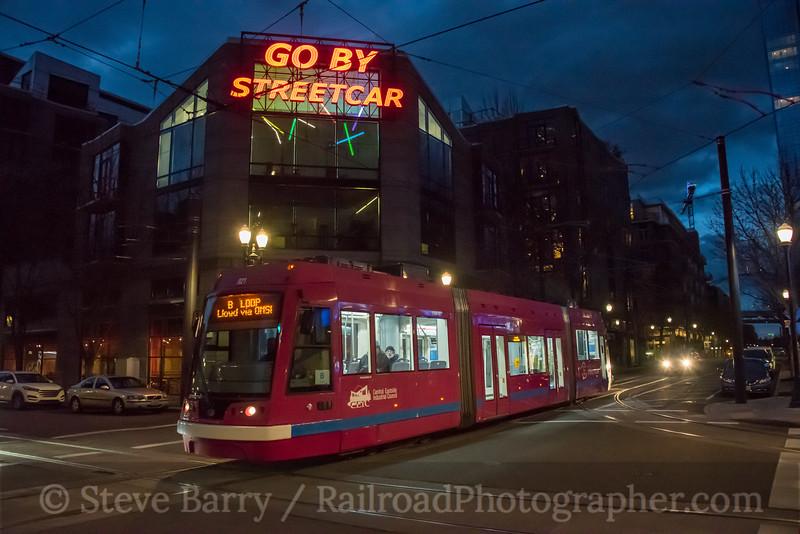 Photo 4609<br /> Portland Streetcar<br /> 11th & Lovejoy, Portland, Oregon<br /> March 18, 2018