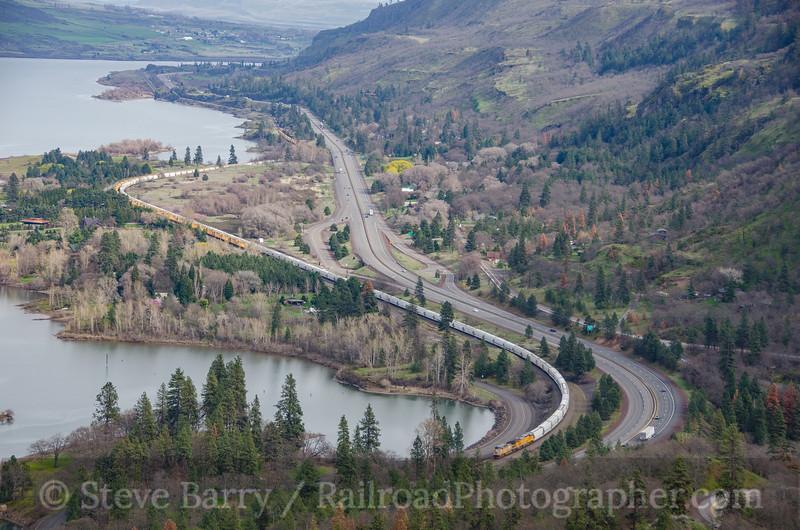 Photo 3713<br /> Union Pacific; Rowena, Oregon<br /> March 21, 2016