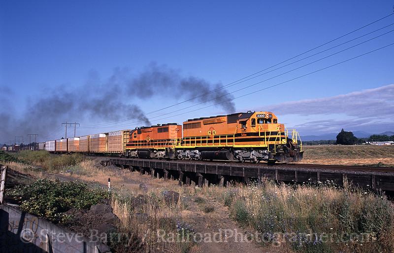 Photo 0875<br /> Portland & Western; Harrisburg, Oregon<br /> July 2005