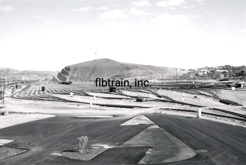 SF1975110007 - Santa Fe, Barstow, CA, 11-1975