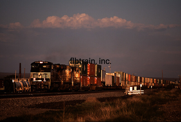 UP2012040300 - Union Pacific, Lordsburg, NM, 4/2012