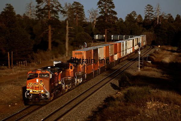 BNSF2010041613 - BNSF, Flagstaff, AZ, 4/2010