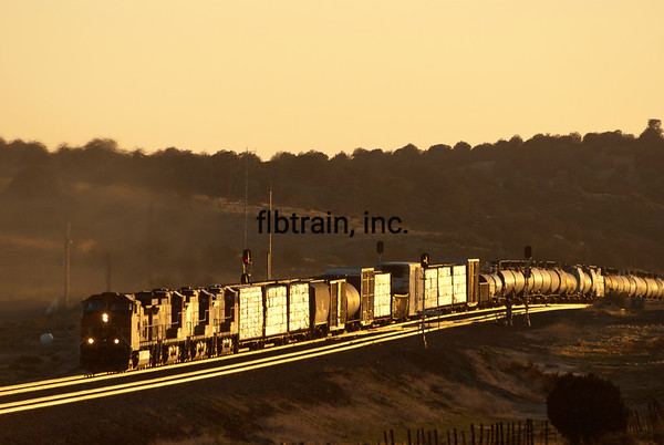 BNSF2012051509 - BNSF, Seligman, AZ, 5/2012