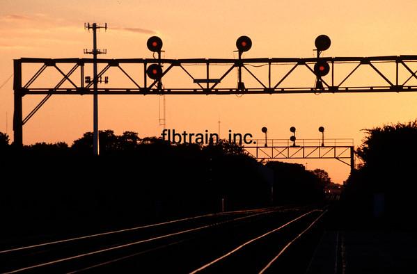 BNSF1999090050 - BNSF, Naperville, IL, 9/1999