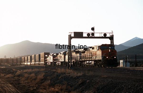 BNSF2004040240 - BNSF, Flagstaff, AZ, 4/2004