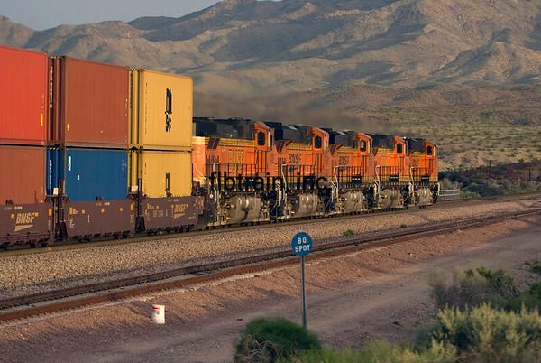 BNSF2010040300 - BNSF, Klinefelter, CA, 4/2010