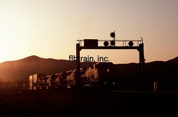 BNSF2004040241 - BNSF, Flagstaff, AZ, 4/2004