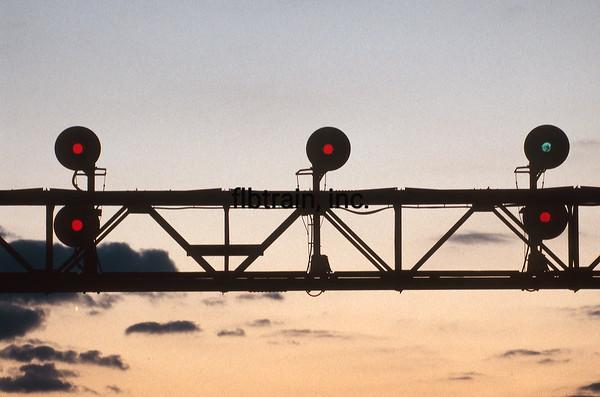 BNSF1999090178 - BNSF, Naperville, IL, 9-1999