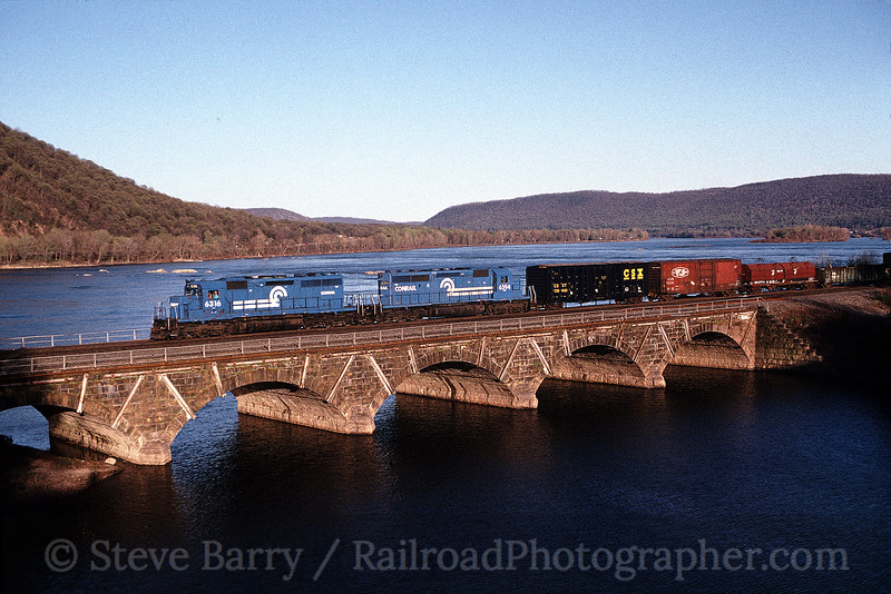 Photo 0172<br /> Conrail; Duncannon, Pennsylvania
