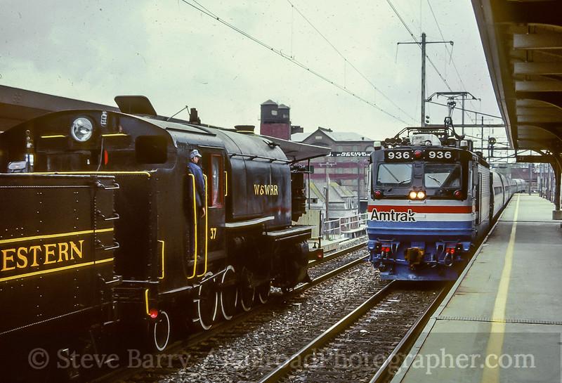 Amtrak and Wilmington & Western; Wilmington DE; 5/1989