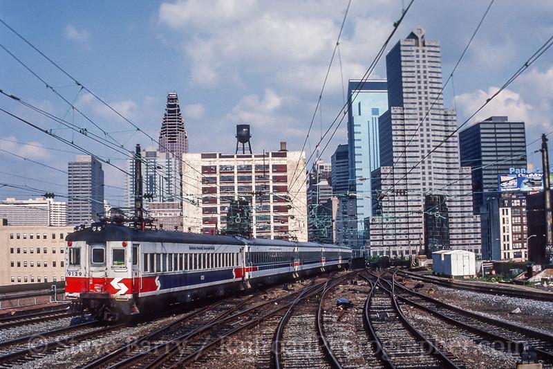 Photo 5418<br /> Southeastern Pennsylvania Transportation Authority<br /> 30th Street Station, Philadelphia, Pennsylvania<br /> June 1989