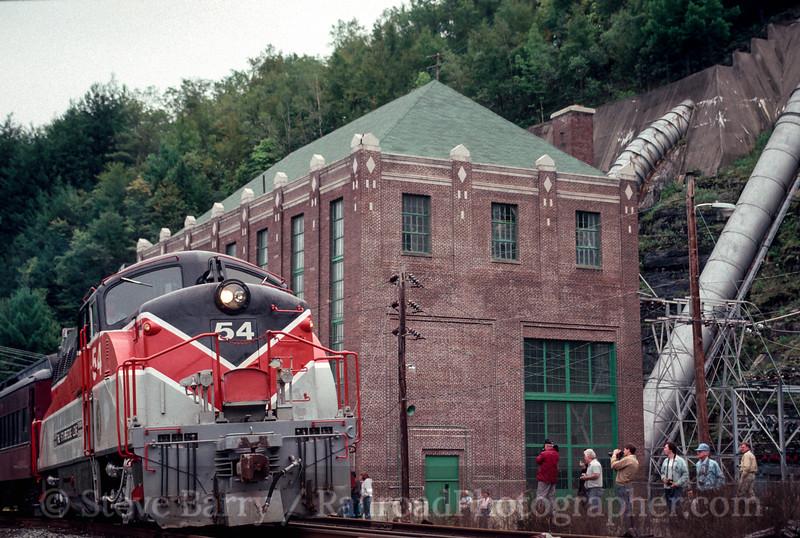 Photo 1986<br /> Stourbridge Line; Hawley, Pennsylvania<br /> October 1990