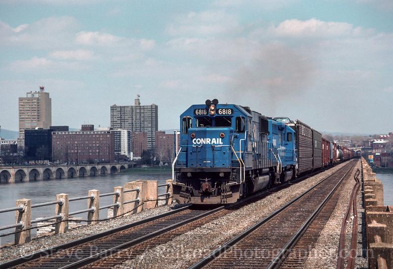 Photo 2865<br /> Conrail; Lemoyne, Pennsylvania<br /> May 1990