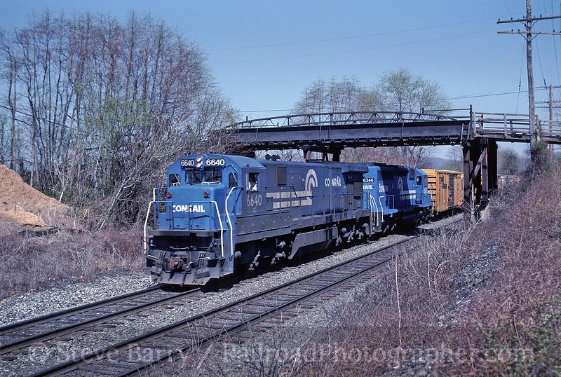 Photo 1495<br /> Conrail; Emmaus, Pennsylvania<br /> May 1990