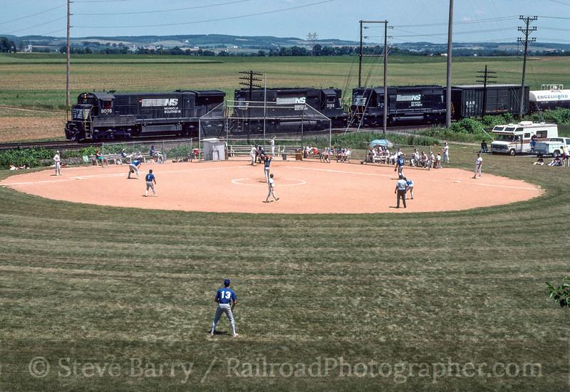 Photo 2874<br /> Norfolk Southern; Lyons, Pennsylvania<br /> June 1991