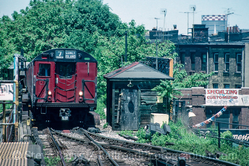 Photo 5057<br /> New York City Transit Authority<br /> Dean Street, Brooklyn, New York<br /> May 1993