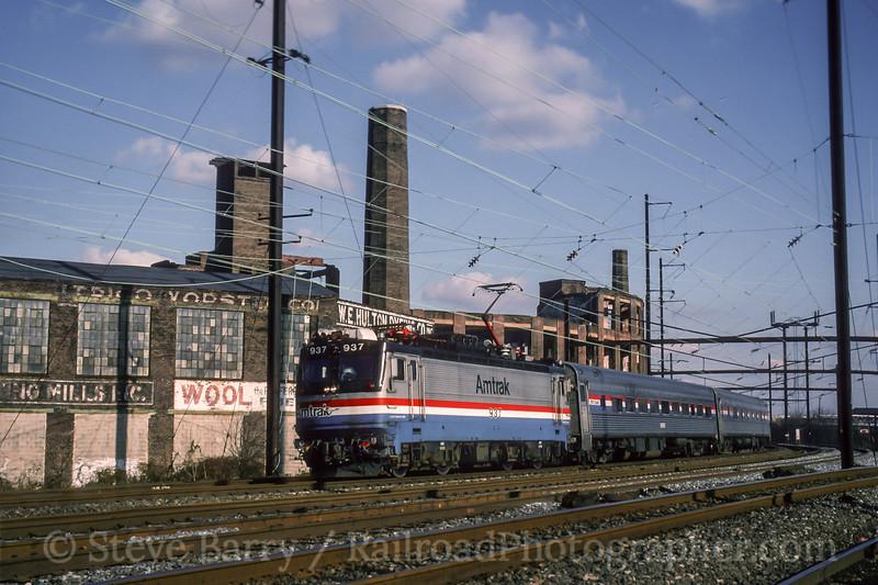 Photo 4632<br /> Amtrak<br /> Frankford Junction, Philadelphia, Pennsylvania<br /> November 1993