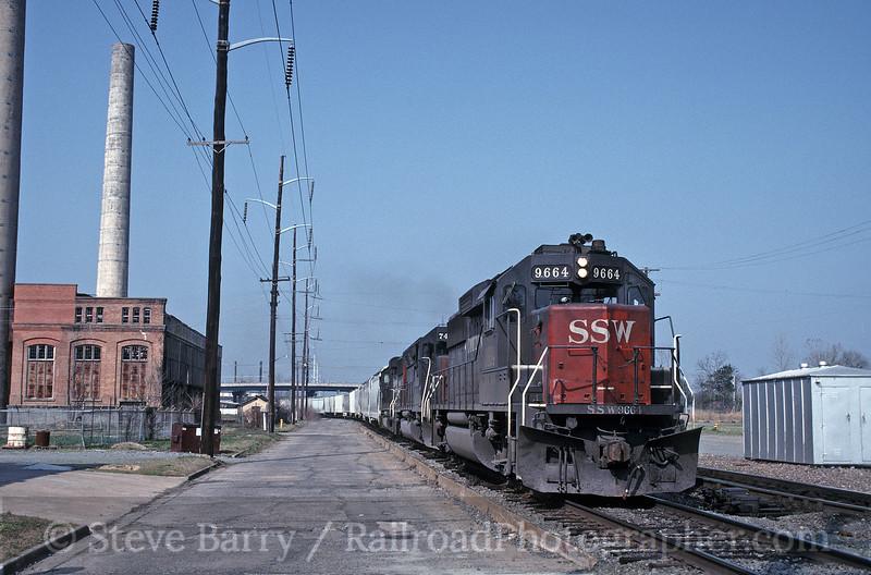 Photo 1830<br /> St. Louis Southwestern (Cotton Belt); Pine Bluff, Arkansas<br /> March 27, 1993