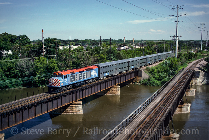 Photo 0308<br /> Metra; Fox River Bridge, Elgin, Illinois<br /> July 21, 1993