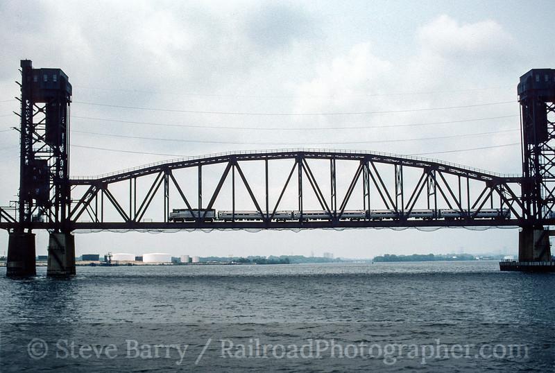 Photo 4584<br /> Amtrak<br /> Delair Bridge, Delair, New Jersey<br /> July 1994
