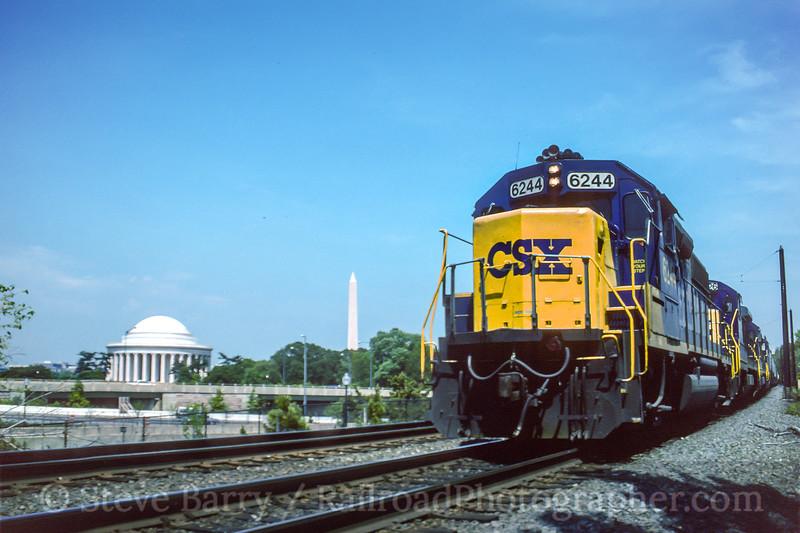 Photo 4718<br /> CSX Transportation<br /> Arlington, Virginia<br /> April 1994
