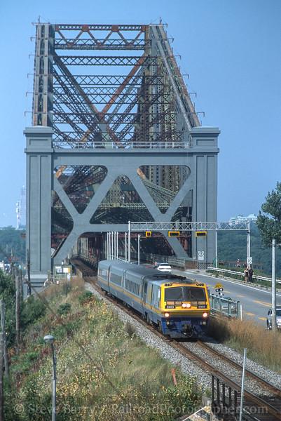 Photo 3560<br /> VIA Rail Canada; Levis, Quebec<br /> September 9, 2001
