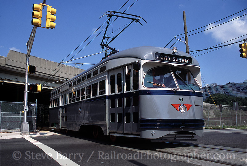 Photo 0368<br /> Newark City Subway (NJ Transit); Orange Avenue, Newark, New Jersey<br /> August 2001