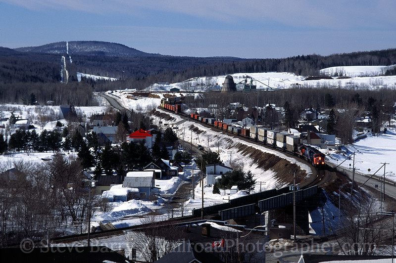 Photo 0124<br /> Canadian National; Estcourt, Quebec<br /> April 2001