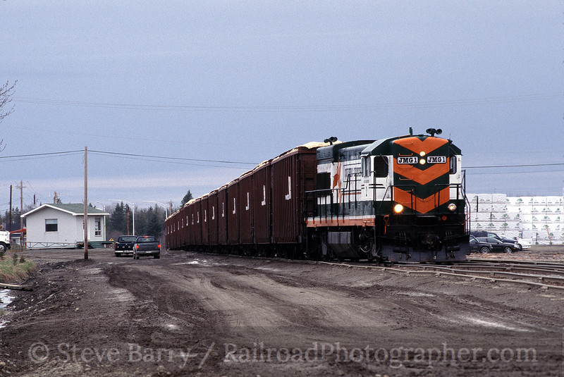 Photo 1240<br /> Quebec Central; Daquaam, Quebec<br /> May 2002