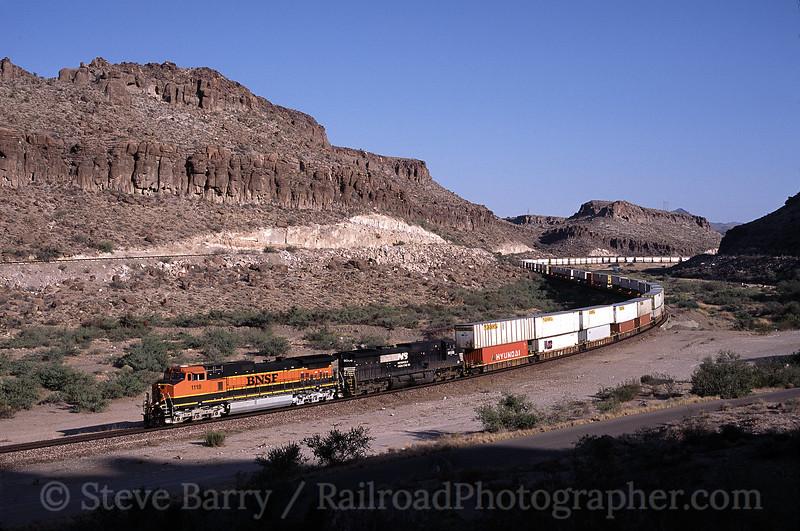 Photo 0041<br /> Burlington Northern & Santa Fe; Kingman Canyon, Arizona<br /> August 2002