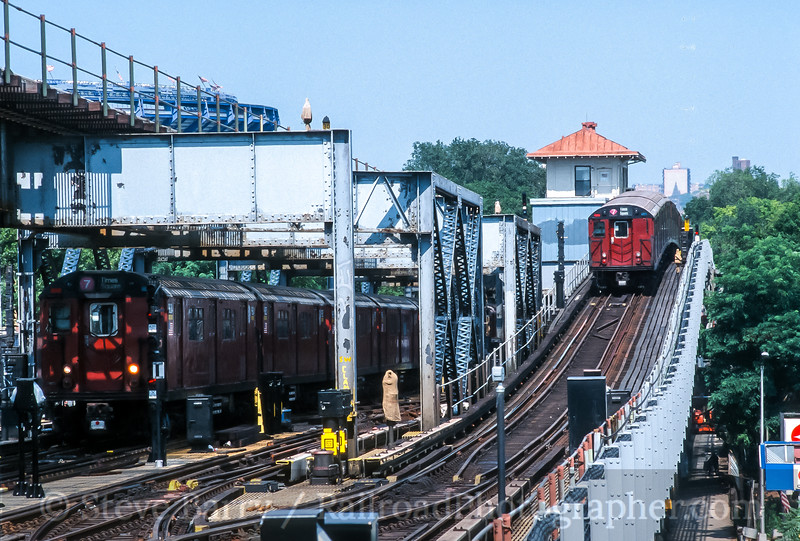 Photo 5021<br /> New York City Transit Authority<br /> 111 Street, Queens, New York<br /> July 2002