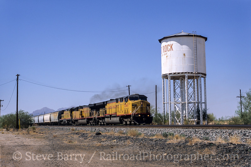 Photo 5452<br /> Union Pacific<br /> Red Rock, Arizona<br /> August 2002