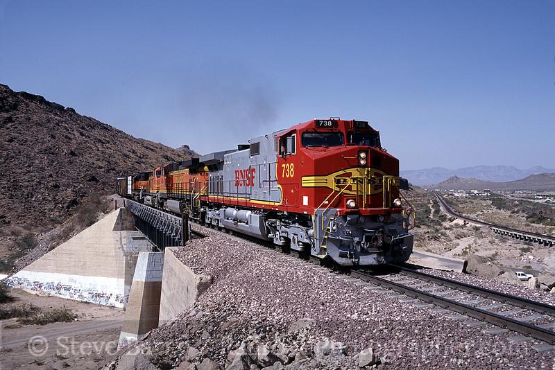 Photo 0077<br /> Burlington Northern & Santa Fe; Kingman Canyon, Arizona<br /> August 2002
