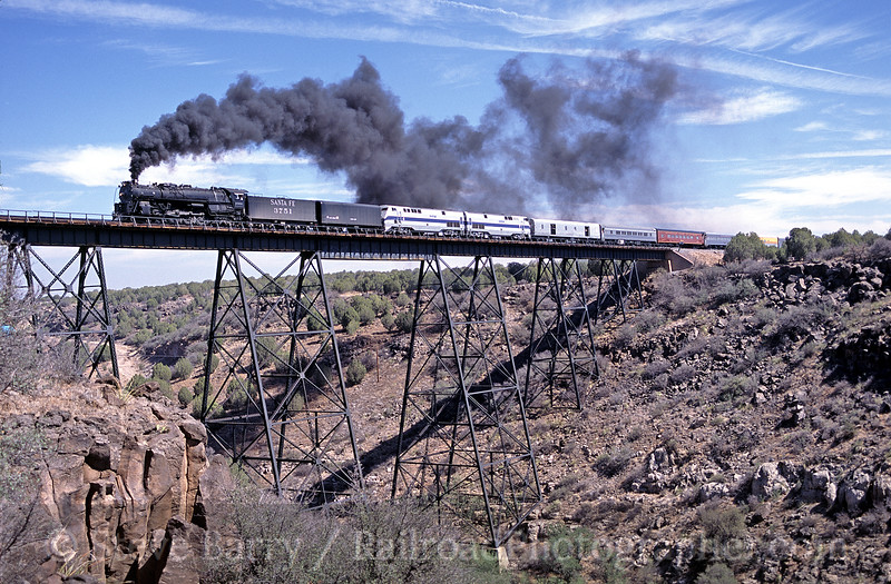 Photo 0038<br /> Atchison, Topeka & Santa Fe 3751; Hell Canyon, Drake, Arizona<br /> August 25, 2002