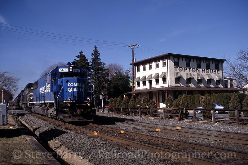 Photo 0189<br /> Norfolk Southern (Conrail); Topton, Pennsylvania<br /> February 2002