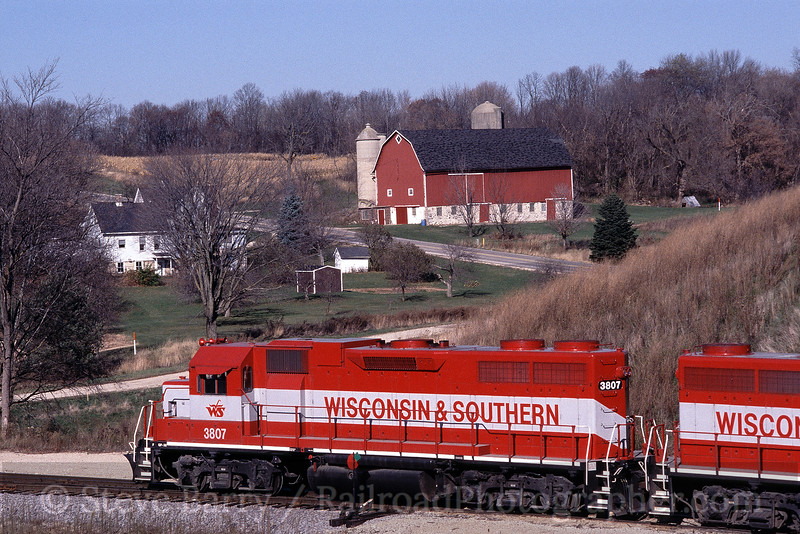 Photo 0589<br /> Wisconsin & Southern; Ackerville, Wisconsin<br /> November 2004