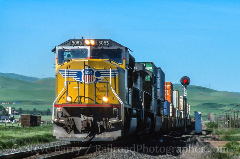 Union Pacific; Tracy CA; 3/2004
