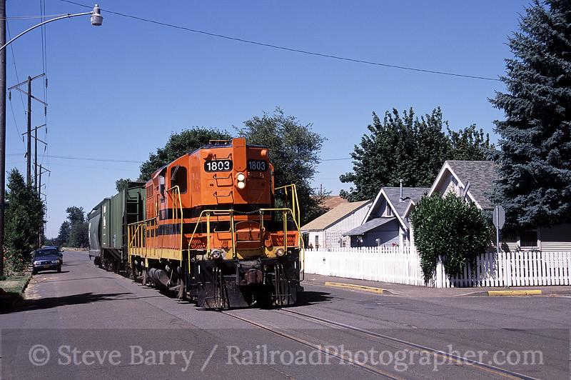 Photo 0876<br /> Portland & Western; Harrisburg, Oregon<br /> July 2005