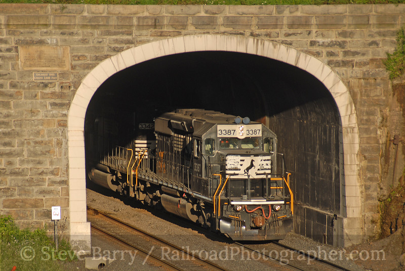 Photo 0708<br /> Norfolk Southern; Gallitzin, Pennsylvania<br /> July 31, 2006